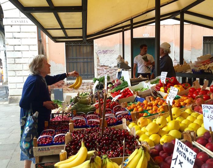 rialto market venice italy travel_4613